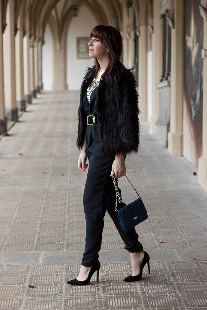whoismocca, girissima.com Jumpsuit Cameo, G Findings Fake Fur Jacke, Zara Pumps, Streifenshirt