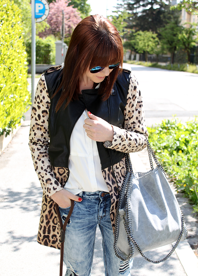 whoismocca, fashionblogger, fashion union boyfriend jeans, noisy may leopard trenchcoat, bluse H&M, flats kenzo espadrilles sarenza, stella mccartney lookalike falabella bag