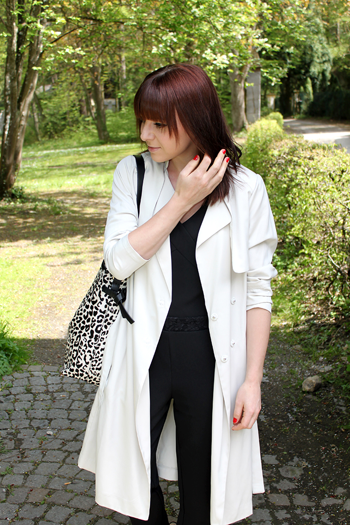 whoismocca, little mistress jumpsuit, trenchcoat H&M, plateau sandalen zara, animal print shopper zara
