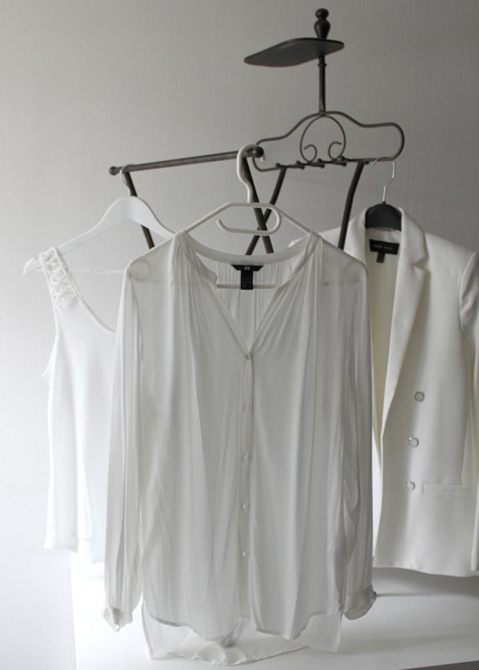 new in, fashionblogger, whoismocca, divissima bikini, minimalistische garderobe, jeanshemd yesstyle H&M zara, fransentasche primark, lederhose asos, lederhose karl lagerfeld, jeansrock pepe jeans, shorts plissee hosenrock H&M, hellblaues shirt, tunika rosa asos, hemd asos