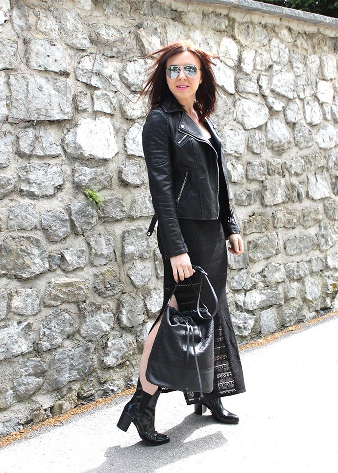 outfit schwarzes maxikleid aus spitze chelsea boots. Black Bedroom Furniture Sets. Home Design Ideas