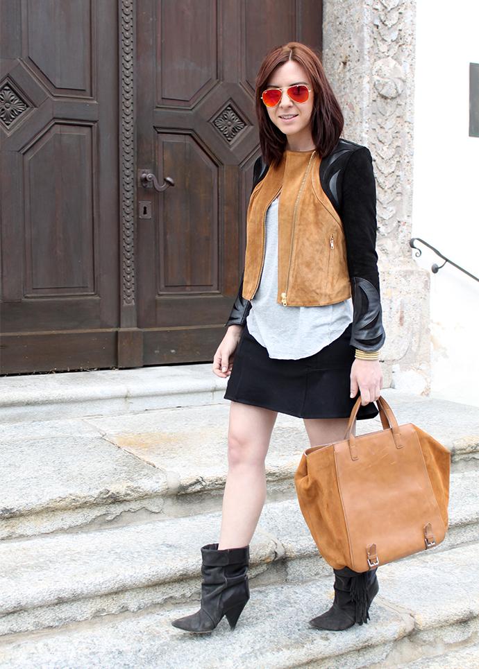 who is mocca, fashionblog tirol, fashionblog austria, ausgestellter Rock Mango, Isabel Marant pour H&M Boots, Lederjacke H&M Spring collectino cognac braun schwarz, brauner Shopper Zara