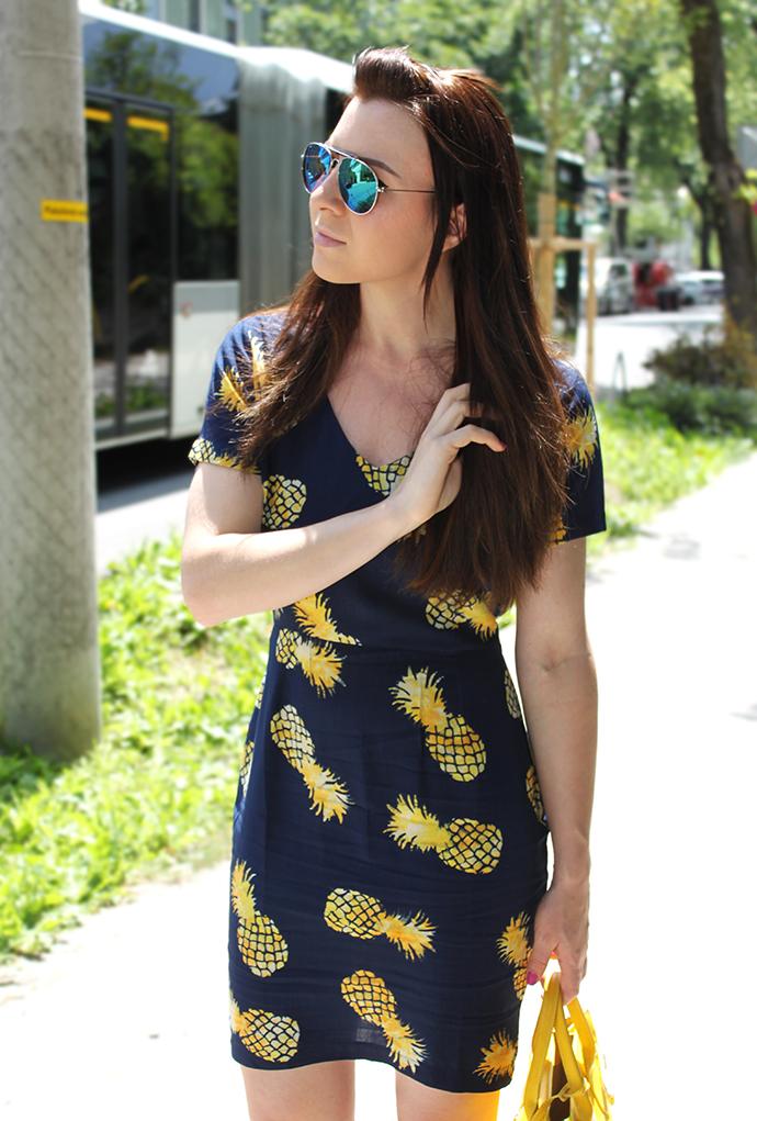 who is mocca, fashionblog tirol, austrianfashionblog, ananas kleid sugarhill, etail, kleid sommerprint, hermes birkin lookalike, zara high heels dunkelblau