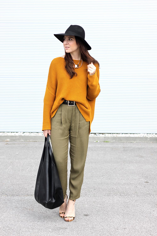 who is mocca, fashionblog tirol, fashionblog österreich, senfgelber strickpullover, high waist, hohe bundfaltenhose, leoparden high heels steve madden, shopper mango, hut fedora topshop, taillengürtel H&M