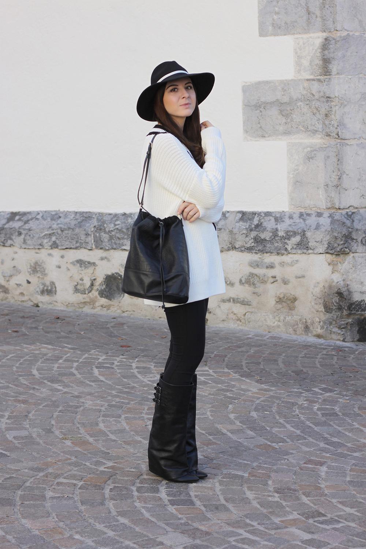 who is mocca, fashionblog tirol, beautyblog, interiorblog, leggings, givenchy stiefel aldo, v ausschnitt pullover schwarz weiß, fedora hut topshop, beuteltasche pieces sarenza bucket bag