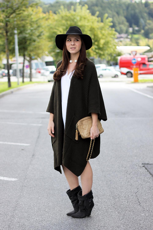 whoismocca-fashionblog-tirol-austria-cape-asos-kleid-zara-isabelmarantpourhm-boots-fringe-chanel-vintage-tasche-09