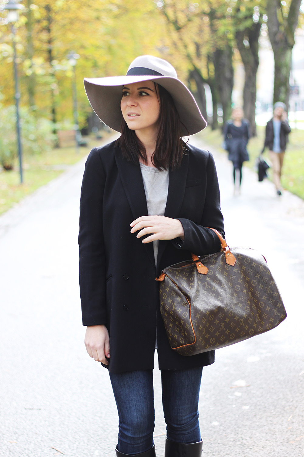 aldo boots, givenchy lookalike boots, louis vuitton speedy 40, vintage, high waist jeans, skinny jeans, long blazer H&M, cecil pullover, layering, fedora filzhut river island asos, schlapphut