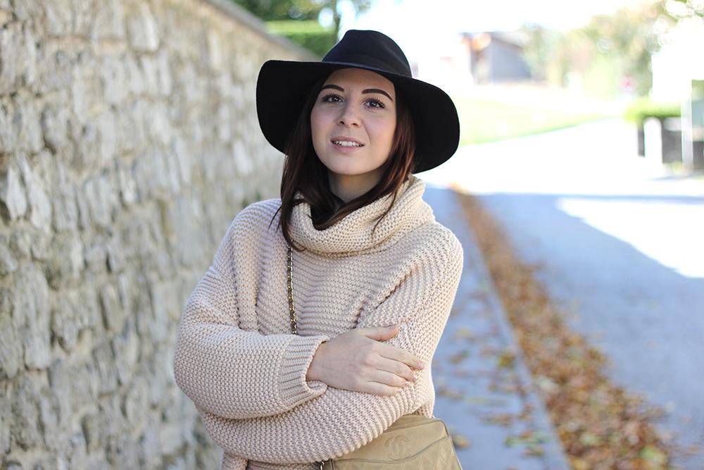 who is mocca, fashionblog, beautyblog, interiorblog, highwaist jeans, shredded jeans, fedora hut, rollkragen, turtleneck, zara, isabel marant pour hm, chanel vintage tasche, Rollkragenpullover von Zara