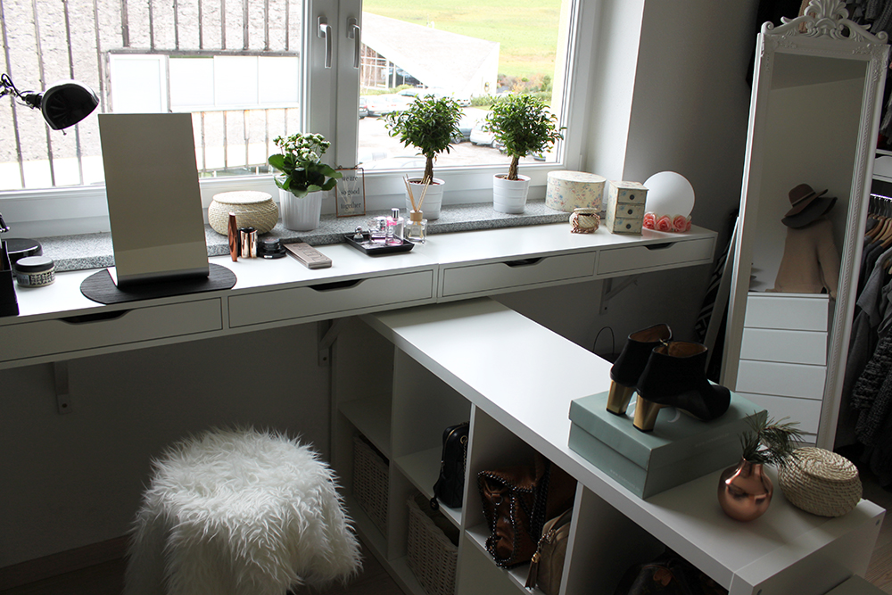 whoismocca fashionblogger interiorblogger beautyblogger wardrobe closet ankleideraum closetrack. Black Bedroom Furniture Sets. Home Design Ideas
