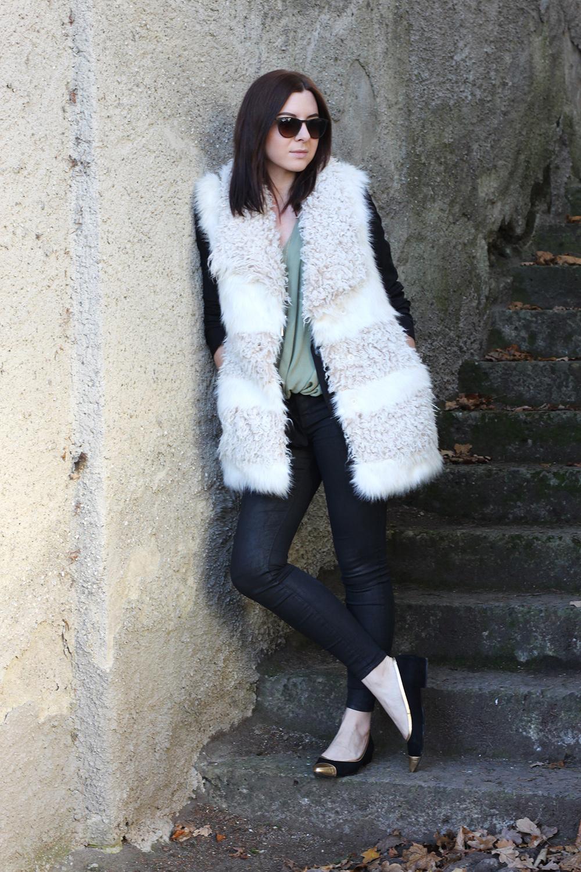 who is mocca, fashionblog tirol, blogger tirol, H&M fake fur weisse weste, highwaist hose, sarenza monceau ballerinas, khaki Tunika drapiert Topshop, Chanel Vintage Camera Tassel Bag