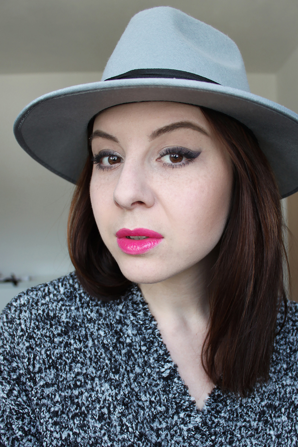who is mocca, beautyblog, tirol, blogger, fedora, hut, boohoo, catrice, essence, makeup, amu, schminken, tutorial, face of the day, neue collection fruejahr summer 2015