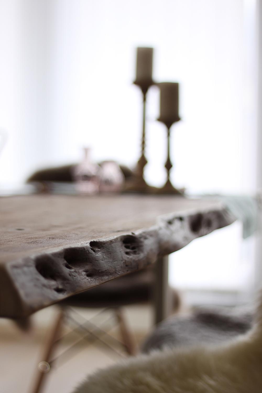 Homestory: Unser Massivholzesstisch Mit Baumkante Im Essbereich