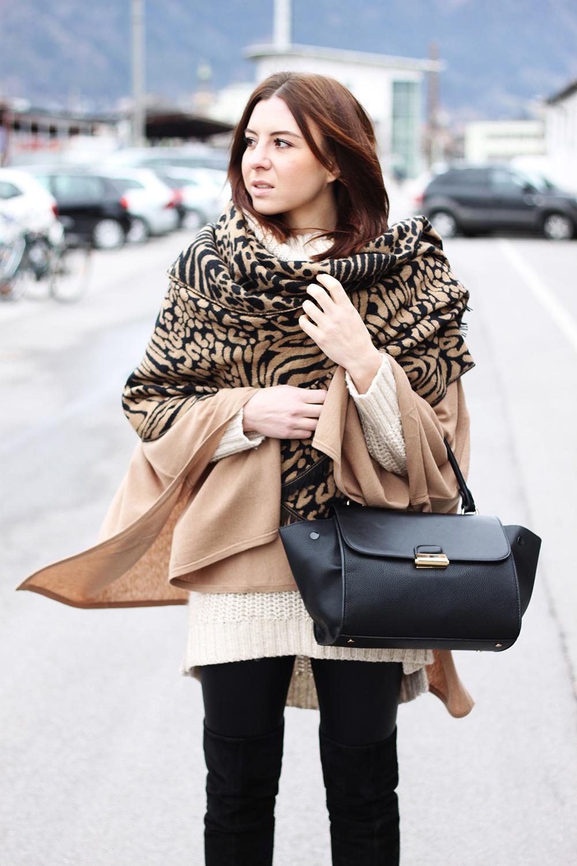 who is mocca, fashionblog, tirol, tirolerin, leopard, animal print, oversize, layering, cape, poncho, ponchocompany, strick, rollkragen, trapez bag, overknee stiefel, whoismcoca.com