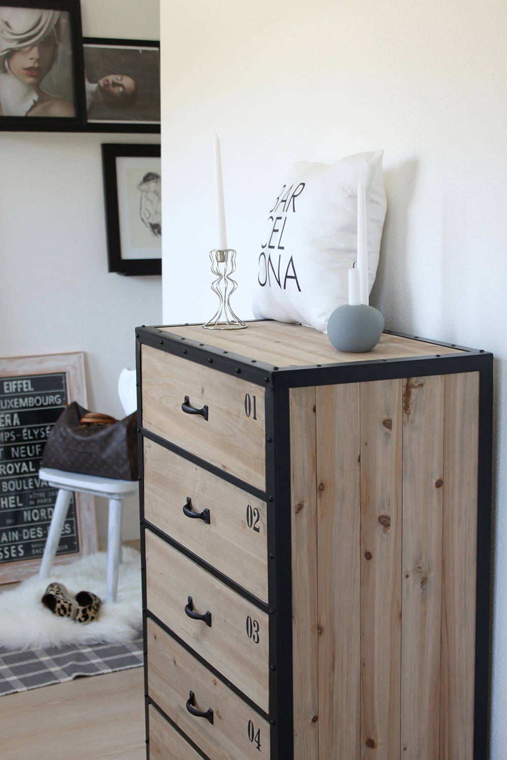 homestory der eingangsbereich. Black Bedroom Furniture Sets. Home Design Ideas
