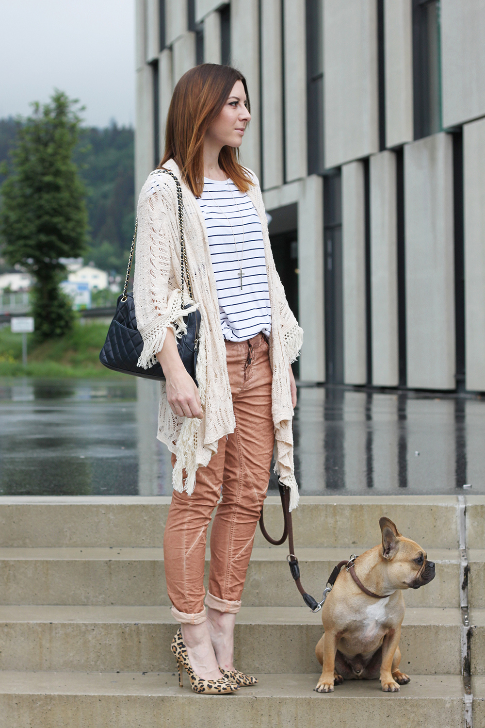 who is mocca, blogger, tirol, innsbruck, österreich, fashionblogger, timezone jeans, streifenshirt, kimono, fransen, mango, chanel vinage camera bag, frenchie, leo pumps new look, whoismocca.com