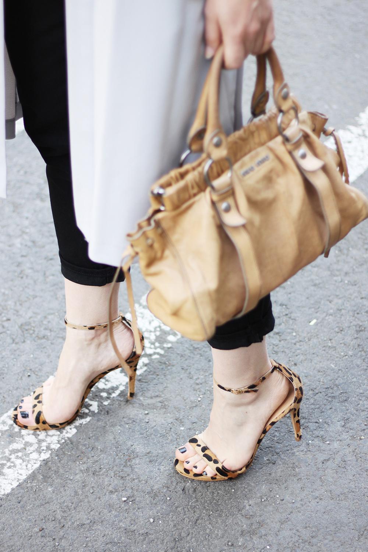 who is mocca, blog tirol, fashionblogger, modeblog, street style, innsbruck, österreich, austrianblogger, fedora, hut, miumiu, secondhand, kleiderkreisel, vintage, steve madden, high heels, whereveryouare, topshop zalando
