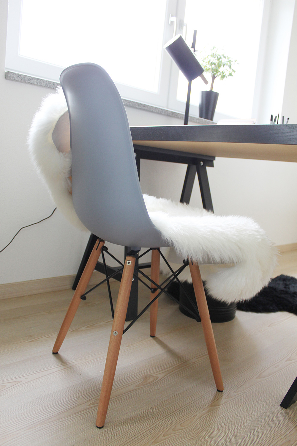 Whoismocca blogger tirol tirolblog buero homeoffice ikea for Was bedeutet minimalistisch