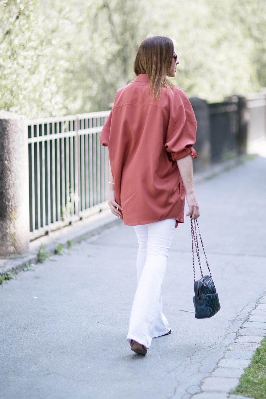 who is mocca, blog tirol, tirolblog, innsbruck, modeblog österreich, austrianblogger, flared jeans weiss Zara, marsala Jacke, trendfalbe 2015, trends Sommer 2015, Chanel camera tassel bag, vintage, whoismocca.com
