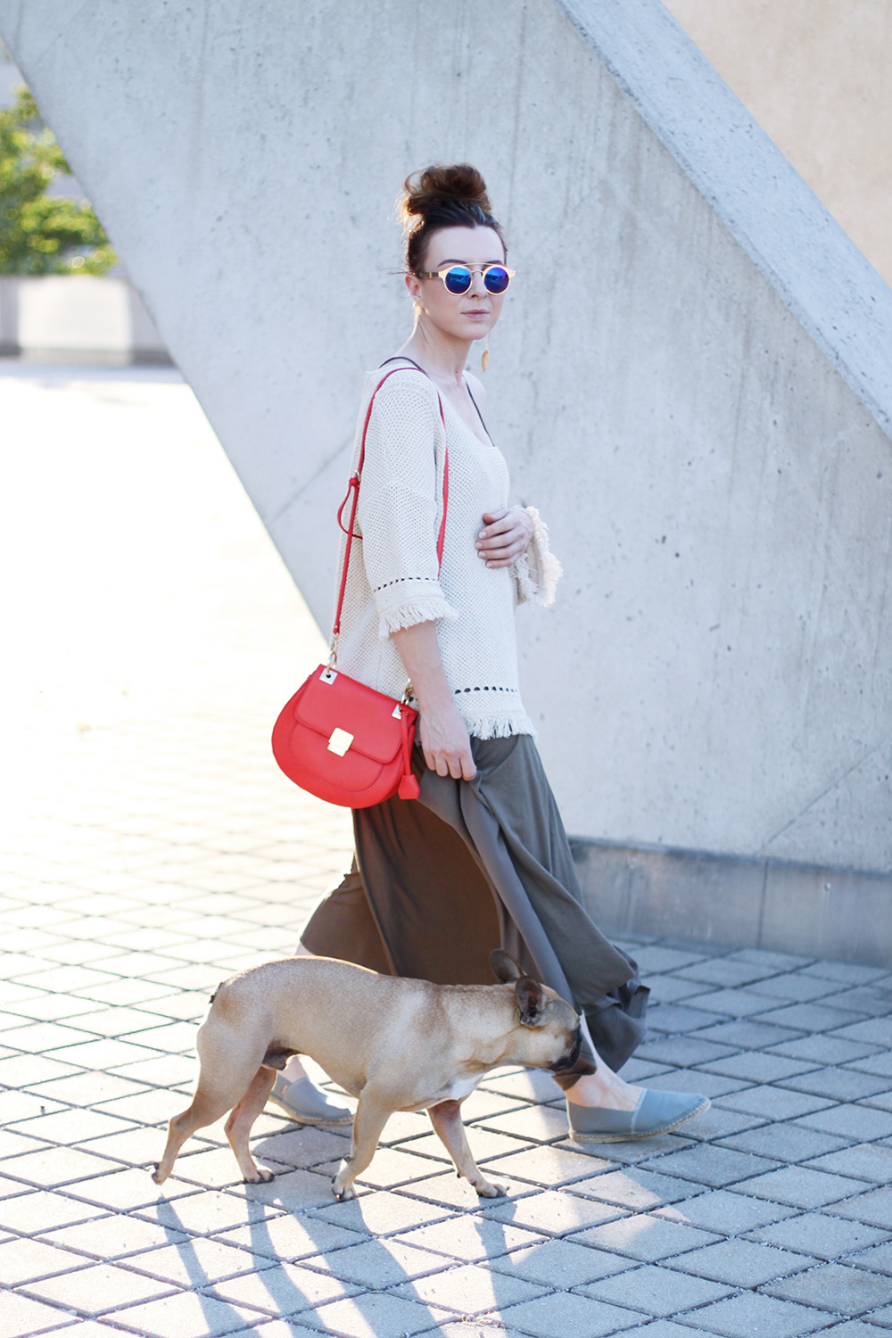 modeblog, who is mocca, blog, tirol, innsbruck, austrianblogger, olympia world innsbruck, frenchie, boho, espadrilles, outfit kombinieren, aldo tasche chloe lookalike, spitfire sonnenbrille dior so real lookalike, mango pullover fransen, messy bun