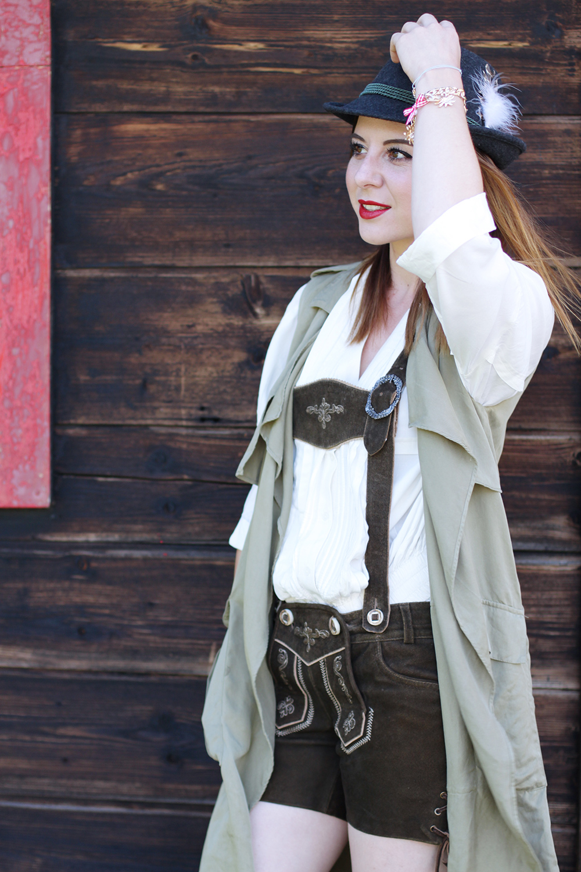 who is mocca, modeblog, fashionblog, oktoberfest outfit, 3 wege eine Lederhose zu kombinieren, Lederhose Tracht, dirndl alternative, Lederhose modern stylen, Oktoberfest Lederhose, whoismocca.com