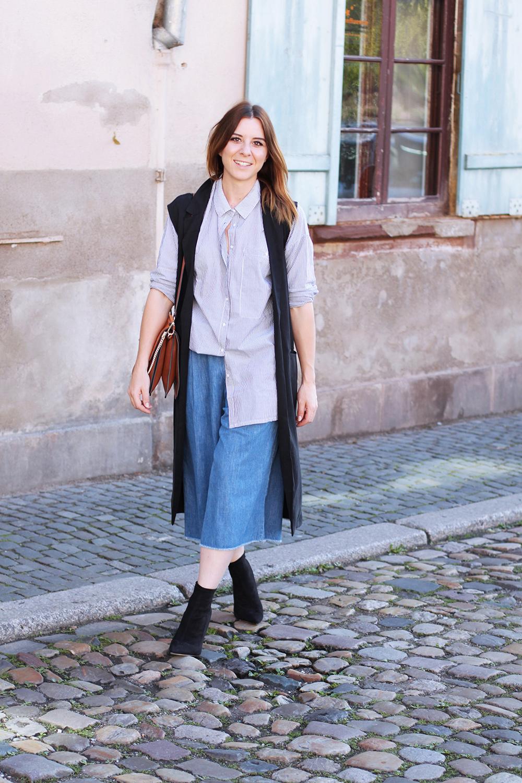 who is mocca, modeblog, fashionblog, jeans culotte, denim culotte kombinieren, strasbourg streetstyle, chloe faye, minimum oversize bluse, shareyourstyle, nicht altmodisch, whoismocca.com