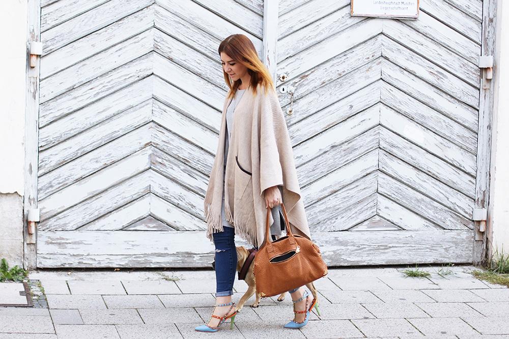 Whoismocca Modeblog Fashionblog Cape Kombinieren Valentino Rockstud