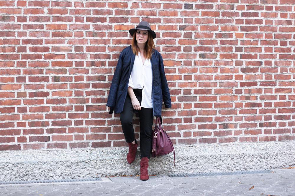 who is mocca, modeblog, fashionblog, mom jeans kombinieren, gesteppte Jeansjacke Topshop, Supertrash Keilstiefeletten, Fedora The Kooples, whoismocca.com