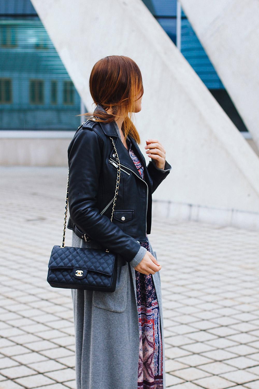 Herbstoutfit mit Maxikleid und Lederjacke, Modeblog