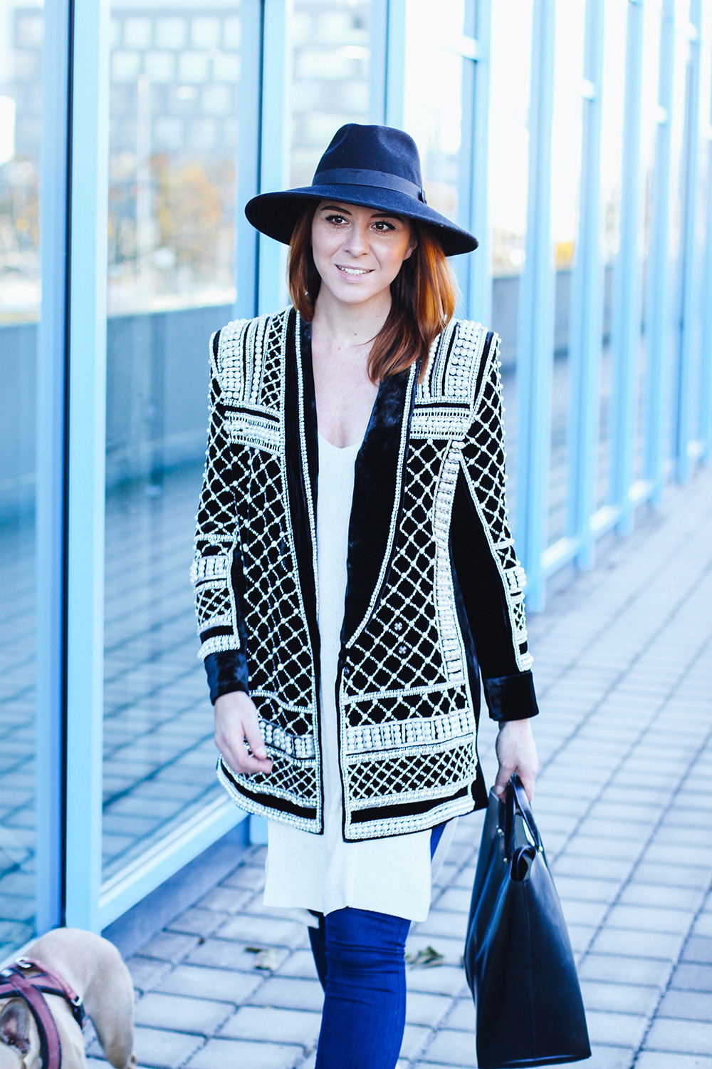 who is mocca, modeblog, fashionblog, H&M Balmain, Samtblazer, Outfit, Olympiaworld Innsbruck, Paillettenblazer Outfit, whoismocca.com