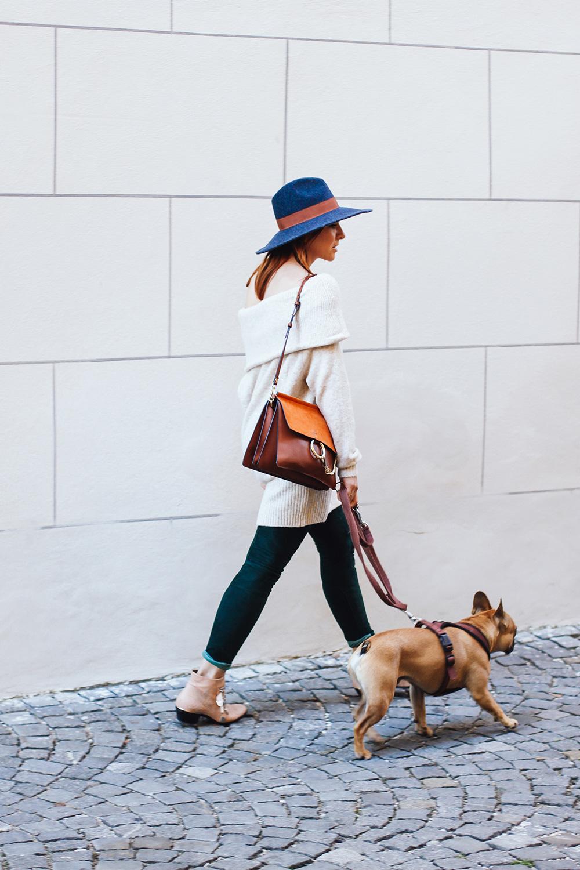 whoismocca-modeblogger-fashionblogger-offshoulder-pullover-balmain-lederhose-chloe-susanna-boots-faye-bag-hall-innsbruck-streetstyle-1