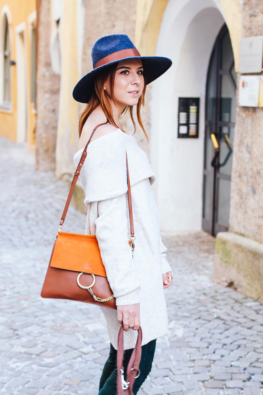 who is mocca, modeblogger, fashionblogger, offshoulder pullover, balmain x H&M lederhose, chloe susanna boots, chloe faye bag, fedora hut, schulterfreier pullover, whoismocca.com