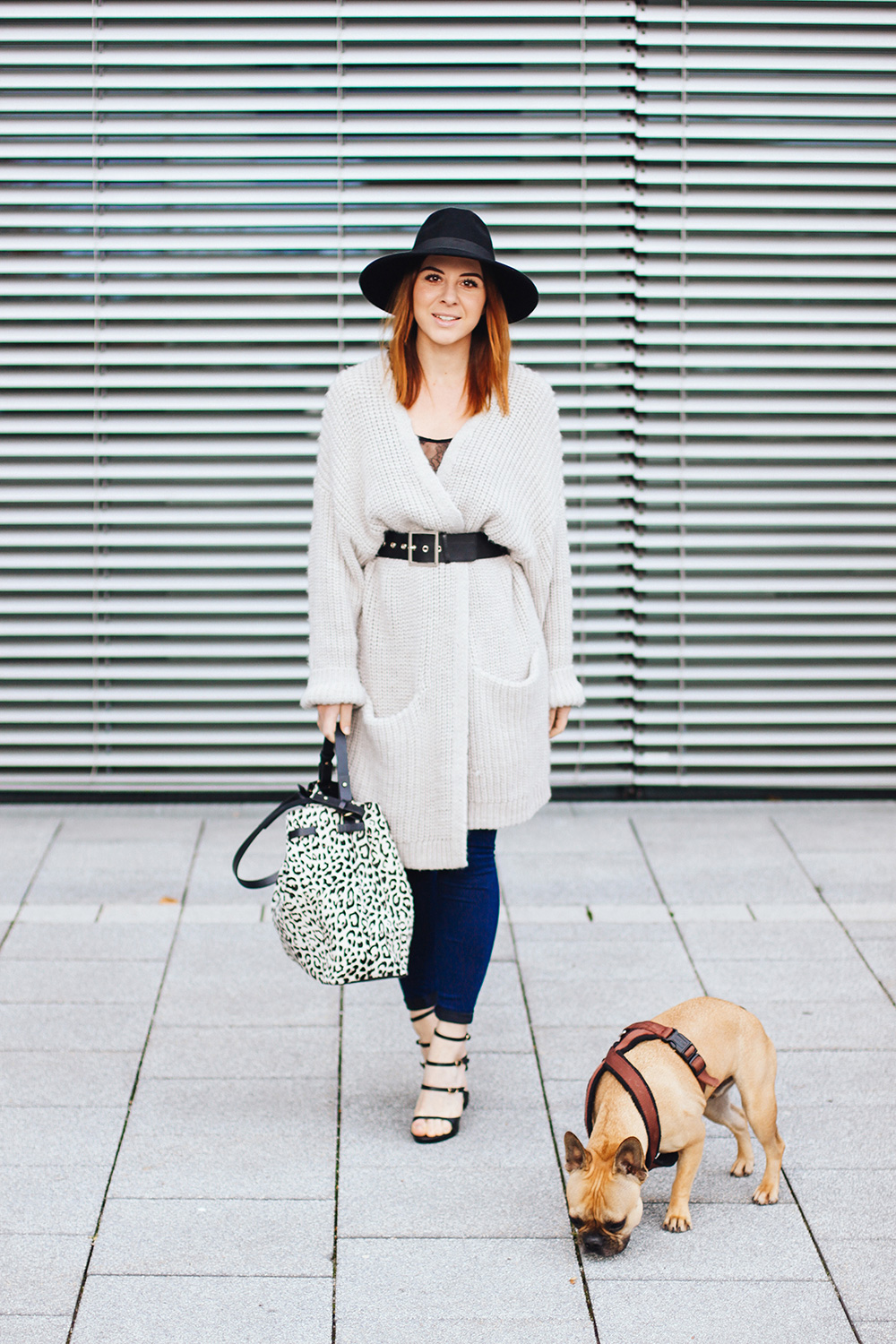 who is mocca, modeblogger, fashionblogger, oversize cardigan, outfit strick, high heels just fab, skinny jeans outfit, zara, whoismocca.com