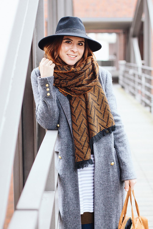 whoismocca modeblog fashionblog grauer langer mantel hamburg vic matie slipper skinny jeans. Black Bedroom Furniture Sets. Home Design Ideas