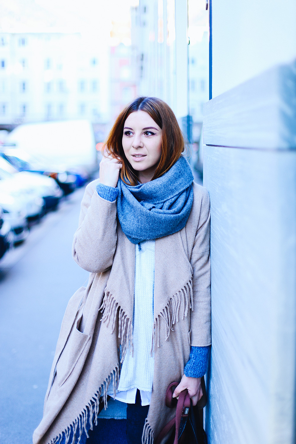 who is mocca, modeblogger, fashionblogger, influencer, wie geht layering?, lagenlook, zwiebellook, c&a boots, winteroutfit, asos fransenjacke, streetstyle, innsbruck, frenchie, fawn, whoismocca.com