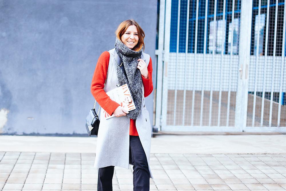 who is mocca, modeblog, fashionblog, influencer, oversize schal, les darcs, flared jeans kombinieren, layering look, lagenlook, streetstyle innsbruck, whoismocca.com