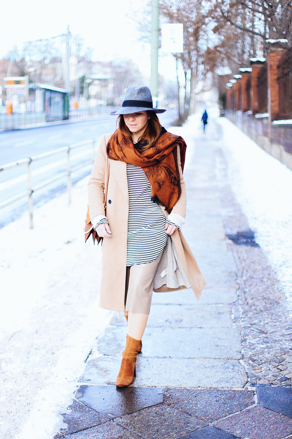 Layered looks with culottes in winter - Beige kombinieren ...