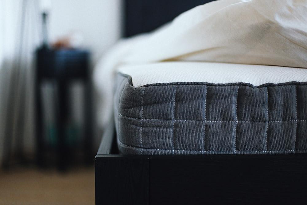 Gut 5 Tipps Für Ein Gemütliches Schlafzimmer, Textilien, Dekoration, Kupfer,  Mintgrün, Weiß