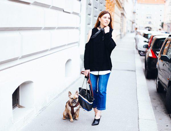 Streetstyle mit Kick Flare Jeans, schwarze Mules, Tory Burch Handtasche, Cold Shoulder Pullover, Bandana, Fashion Blog, Fashion Magazine, Modeblog, whoismocca.com