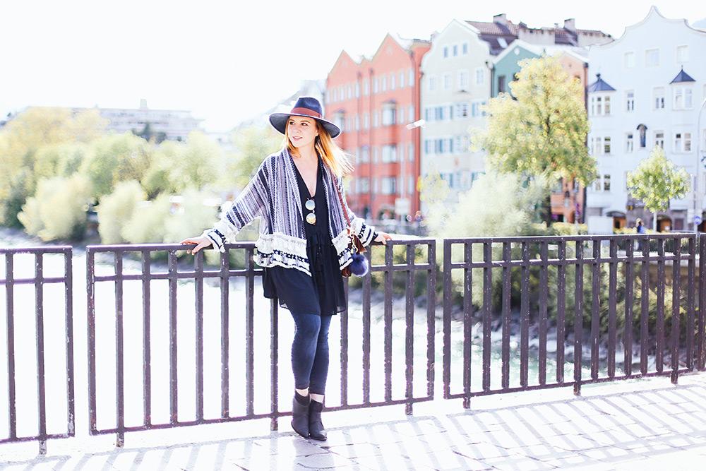 Schwarze Boots kombinieren, Frühlings Outfit, Skinny Jeans, Chloé Faye, Boho Jacke Zara, Streetstyle, Fashion Magazin, Fashion Blog, Modeblog, whoismocca.com
