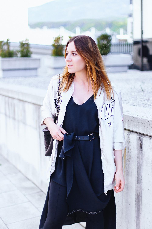 Extrem Leggings unter Kleid  So gut lässt sich ein schwarzes Maxikleid AN48 052830e0b9