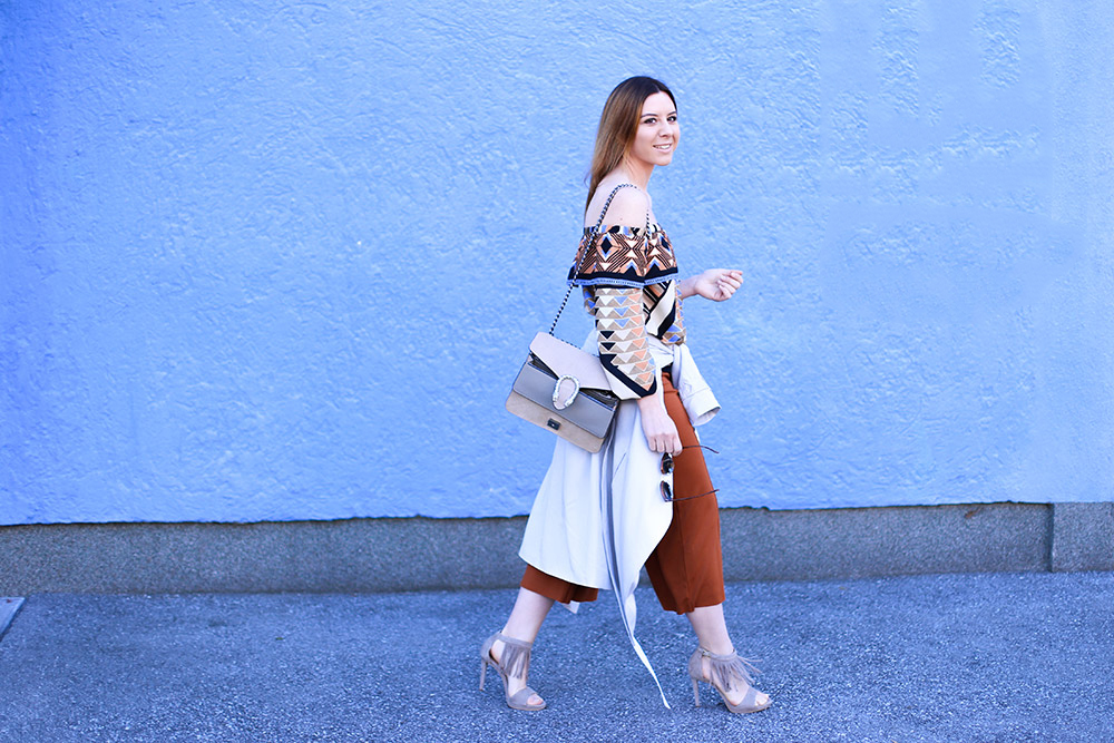 Off-Shoulder Outfit, Culotte, Fransen High Heels, Off-Shoulder Bluse, Streetstyle, Fashion Blog, Modeblog, whoismocca.com
