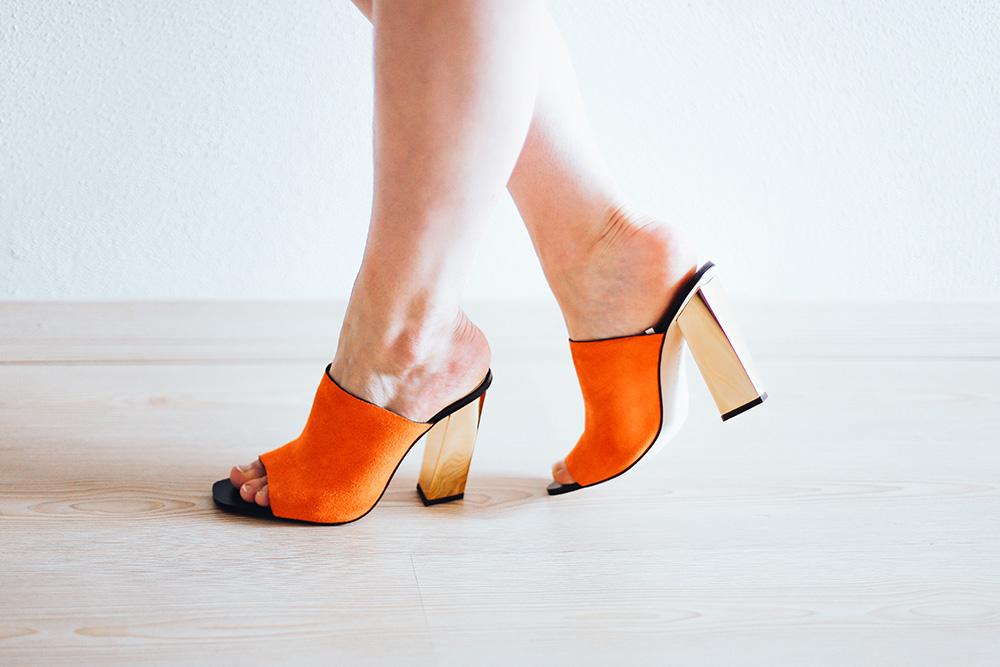 Füße sommerfit machen, Tipps und Pflege Tricks für zuhause, High Heels, Sommerschuhe, Sandalen, Ballerina, Compeed, Beauty Blog, Blogazine, whoismocca.com