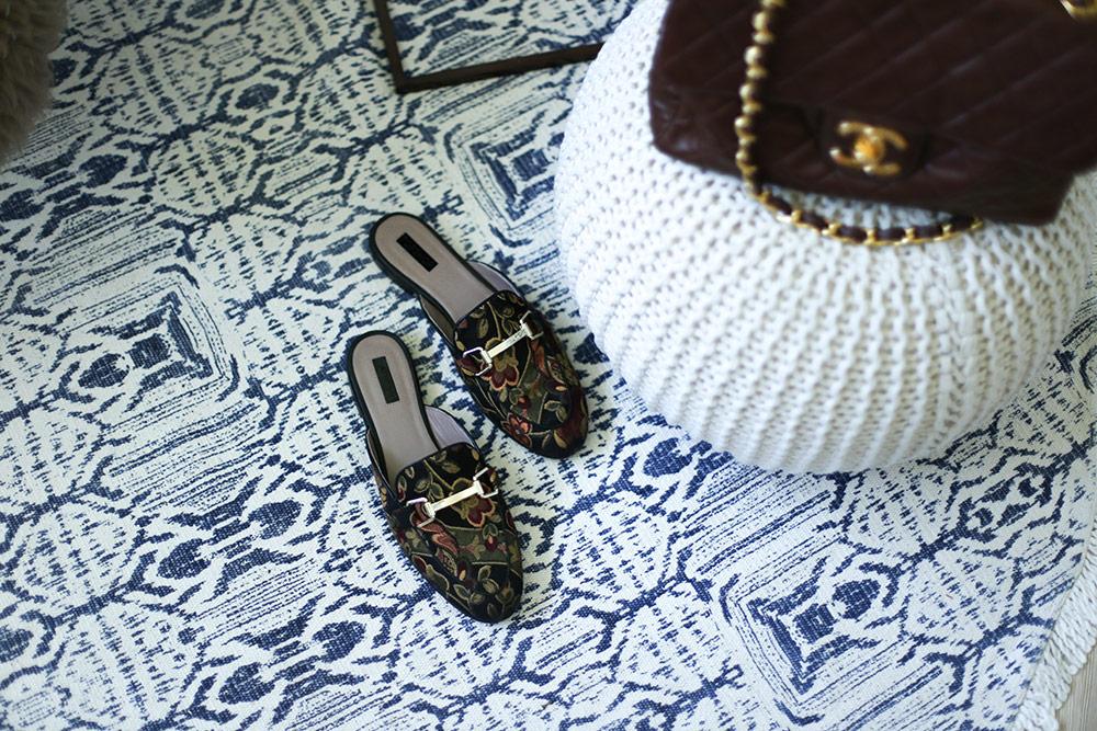 ankleidezimmer dekorieren ankleideraum ideen tipps. Black Bedroom Furniture Sets. Home Design Ideas