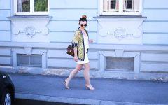 Kimono Outfit, weißer Jeansrock, High Heels, Streetstyle Innsbruck, Chanel Vintage Flap Bag, Fashion Blogger Österreich, Modeblog Tirol, whoismocca.com