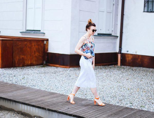 1 Summer Dress, 3 Trends, Palmleaf print, Pleats, Metallic, Fashion Blog, whoismocca.com