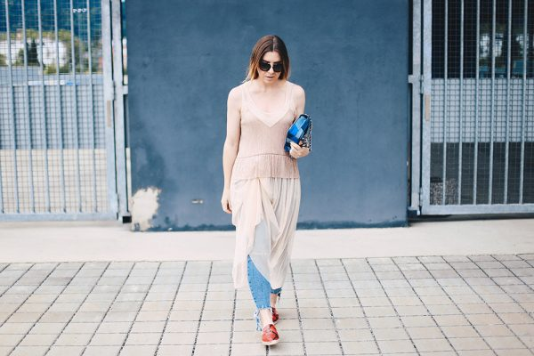 Tüllkleid, Camisole Top, ripped Jeans, rote Slipper, Michael Kors Tasche, Streetstyle Innsbruck, Modeblog, Fashion Magazin, whoismocca.com
