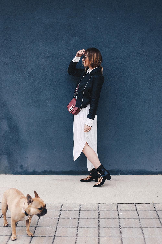 Boots zum Kleid, So trage ich meine liebsten Sommerteile im Herbst, Isabel Marant Boots, Cameo Collective Streifenkleid, Lederjacke Loavis Paris, Guitar Strap, Herbst Outfit, Fashion Blog, Mode Blog, whoismocca.com