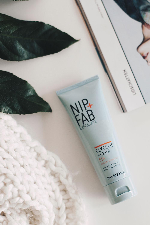 Die neuen NIP+FAB Produkte im Test, Gewinnspiel, Pflegeserie, erweiterte Poren, unreine Haut, Cleanser, Maske, Pads, Reinigung, Beauty Blog, Erfahrungsbericht, Produkttest, Beauty Magazin, whoismocca.com