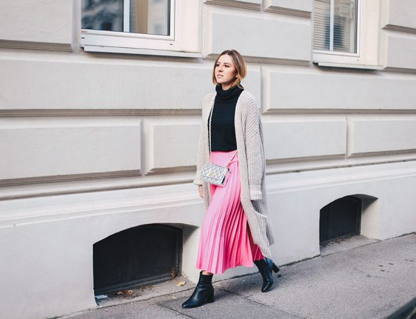 Pinken Plissee-Rock kombinieren, Mit Strick, Metallic und Booties, Streetstyle, Outfit Blog, Fashion Blog, Modeblog, whoismocca.com