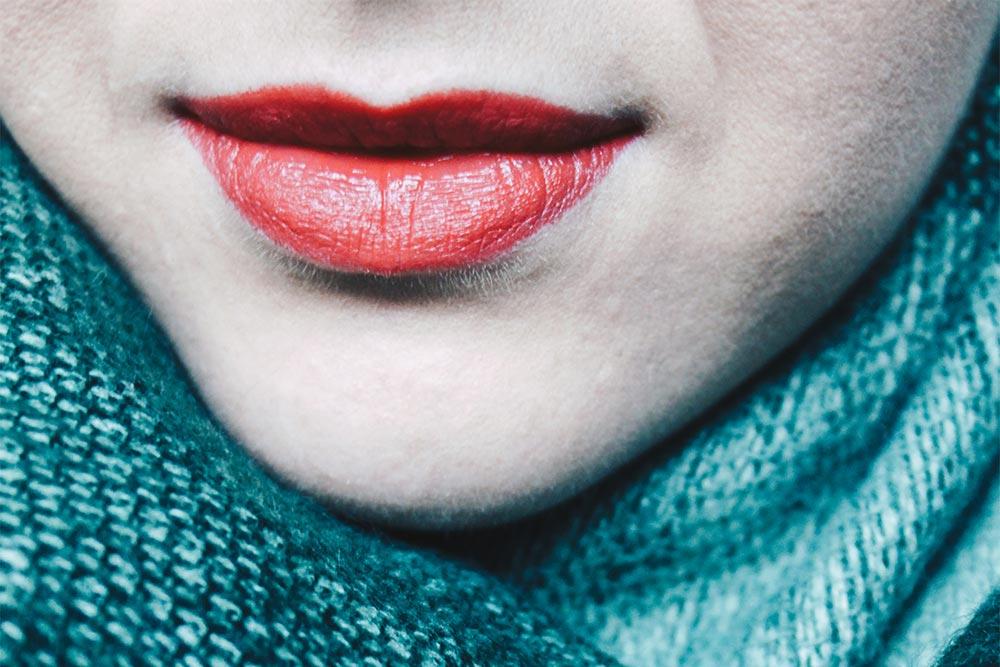 top beauty hack so kann man lippenstifte l nger haltbar machen. Black Bedroom Furniture Sets. Home Design Ideas